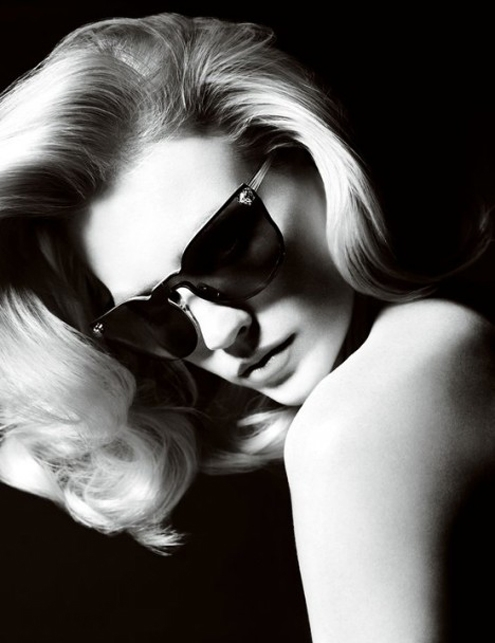 versace-January-Jones-468x608.jpg