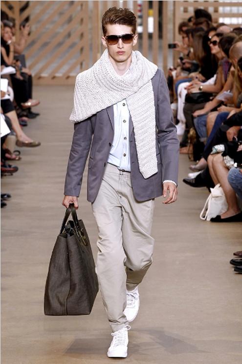 Louis Vuitton SS2011 - 02.jpg