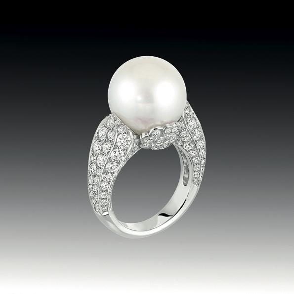 Assez Chanel, des perles printanières pour la saison des fiançailles  MN57