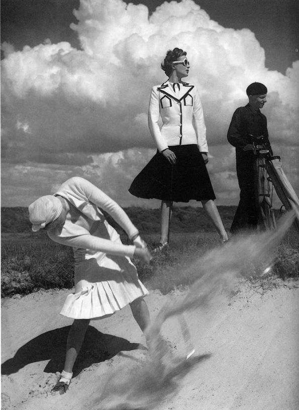 norman parkinson,fashion photographer,fashion,photographer,photographe,mode,fashion editorial,lgance,style,vintage,vogue,harper's bazaar,anglais,londres,exposition,france,travel in style,photos,pictures,noir et blanc,black and white,colors,espace la valle,la valle village,outlet,magasin d'usines;