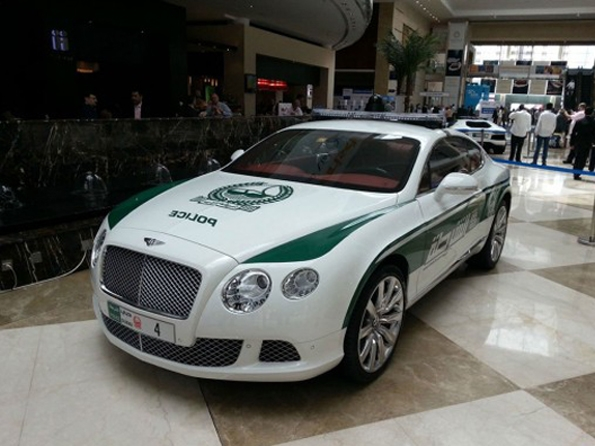 police,dubai,voitures,luxe,cars,car,luxury,chevrolet,camaro,bentley,continental gt,mercedes-benz,sls amg,ferrari,ff,lamborghini,aventador,aston martin,one 77,bugatti,veyron,moyen orient,pétrol,dollars,richesses,riche