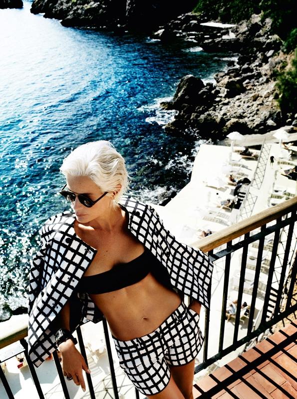 Carolyn Murphy,Mario Testino,vogue us,vogue,magazine, woman, éditorial mode, éditorial, mode, édito, editorial, fashion editorial, fashion photographer, photographer, photographe, photographe de mode, fashion, sexy, model, modeling, modèle, luxe, luxury, portrait, glamour, mannequin, lovely, summer, sea, printemps, été,riviera,méditerranée