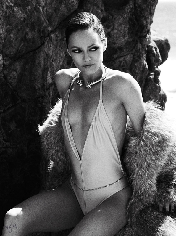vanessa paradis,ben hassett,violet grey magazine,violet grey,magazine,fille,girl,week-end,fashion,editorial,edito,mode,modèle,modeling,top model,fashion photographer,photographe de mode,photographe,photographer,luxe,luxury,glamour,élégance,sexy,nude,naked,arts,art,fashion magazine,magazine de mode,série de mode,stylisme,tendances,trends,femmes,summer,été