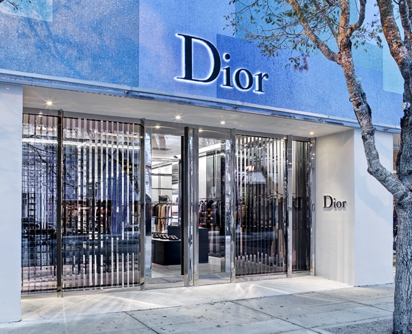 dior,dior homme,miami,store,boutique,miami art basel,design district miami,desig,district,luxe,luxury,icône,dior homme intense,men,hedi slimane,kriss van assche,raf simons,paris,avenue montaigne,costume,chemise,tuxedo,suit,shirt,rendez-vous,élégance,parisienne,masculin,black,tie,black tie,art bruce weber,movie,dance,danse,musique,music,clip,video,sergei polunin,charlie siem,mason buccheri,claudius agrippa,artistes,art contemporain,art