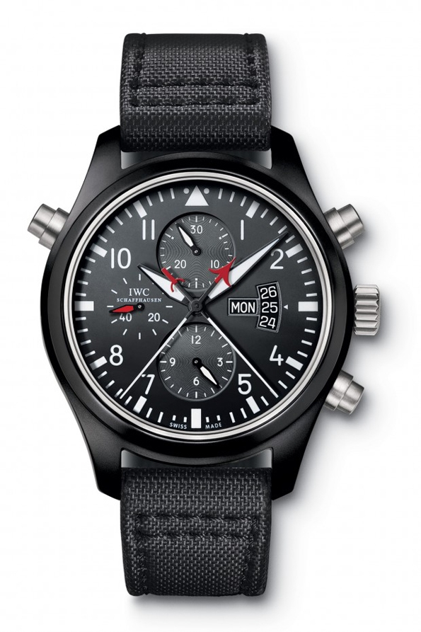 iwc,iwc double chronograph edition top gun,watch,montre,horlogerie,horology,luxury,luxe,placement,produits,display,partenariat,publicitairecinema,movie,jason bourne,bourne,matt damon,jeremy renner,aaron cross,the bourne identity,the bourne supremacy,the bourne ultimatum,the bourne legacy