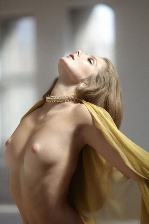 Eniko Mihalik - Sebastian Faena 06.jpg
