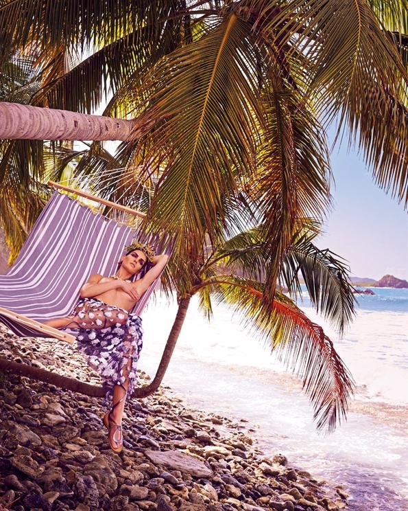 hilaryrhoda,mariano,vivanco,vogue,vogue japan,may,2015,fashion magazine,fille,girl,week-end,fashion,editorial,edito,mode,modèle,modeling,top model,fashion photographer,photographe de mode,photographe,photographer,luxe,luxury,élégance,sexy,nude,naked,arts,art,magazine de mode,série de mode,stylisme,tendances,trends,femmes,spring,summer,printemps,été
