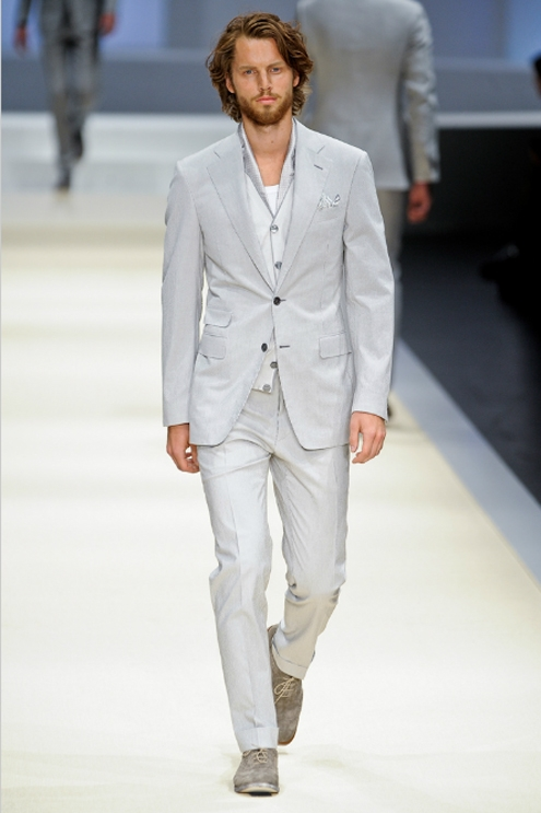 Canali SS2012 - 01.jpg