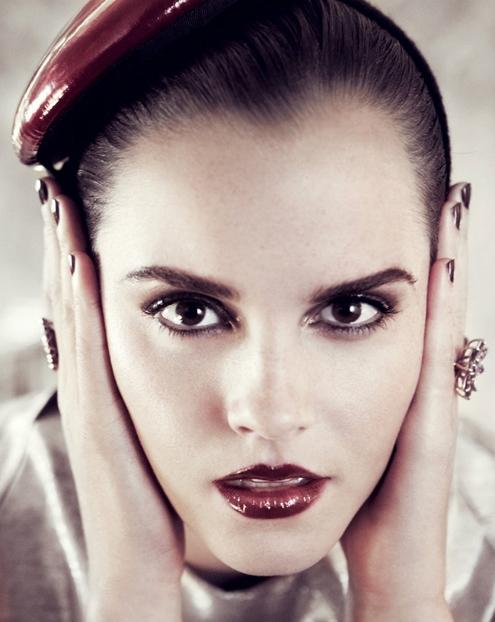 Emma Watson - Mario Testino 01.jpg