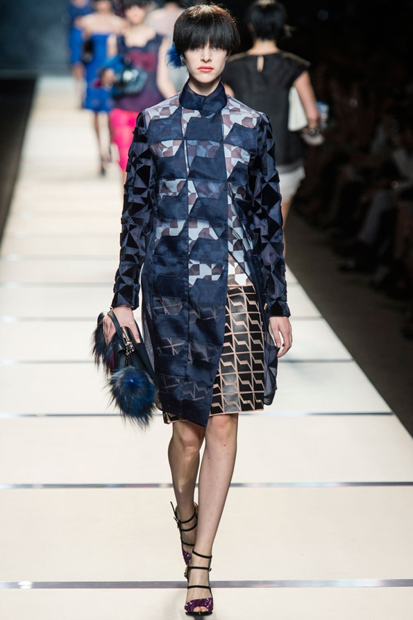 fendi,karl lagerfeld,silvia venturini fendi,fashion designer,créateur,créatrice,rome,roma,1925,fashion,mode,collection,creator,élégance,italy,milan,florence,luxe,ready to wear,prêt à porter,suit,costume,luxury,trends,tendances,italie,italia,blog,blogueur,fashion show,défilé,hommes,man,femme,femmes,woman,women,printemps,été,spring,summer,2014