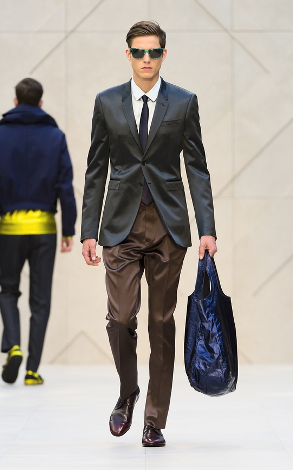 burberry prorsum,christopher bailey,men,hommes,fashion,mode,spring,summer,printemps,été,collection,2013,créateur,designer,london,londres,milan,milano,luxe,luxury,fluo,tendances,trends,fashion designer,créateur de mode,chic,élégant,dandy,color,couleur,gentlemen,gentleman,farmer,accessoires,accessories,accessory,central park,new-york