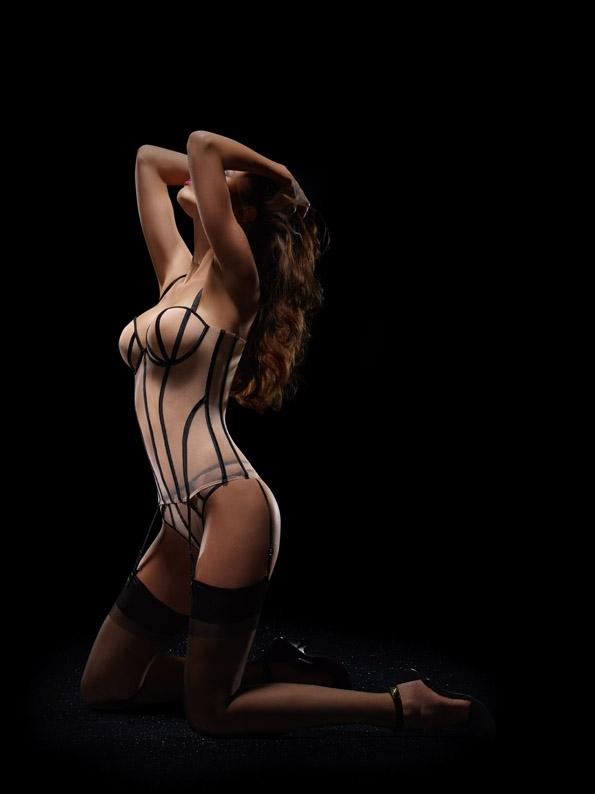 implicite,lingerie,underwear,france,french,brand,marque,fille,girl,week-end,fashion,editorial,edito,mode,modèle,modeling,top model,fashion photographer,photographe de mode,photographe,photographer,luxe,luxury,glamour,élégance,sexy,nude,naked,arts,art,fashion magazine,magazine de mode,série de mode,stylisme,tendances,trends,femmes,femme,women,woman,dona