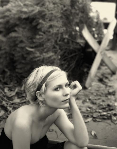 Kirsten Dunst - Kevin lynch 03.jpg