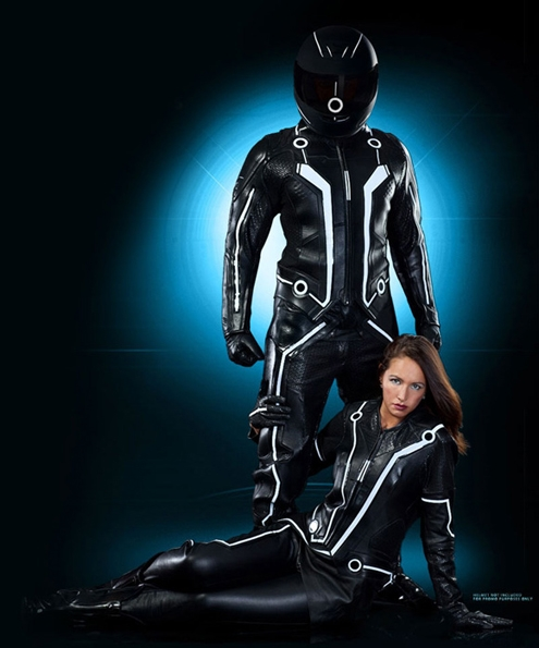 Tron-Legacy-Official-Replica-Light-Bike-Suits.jpg