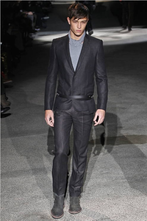 Louis Vuitton FW2011 - 05.jpg