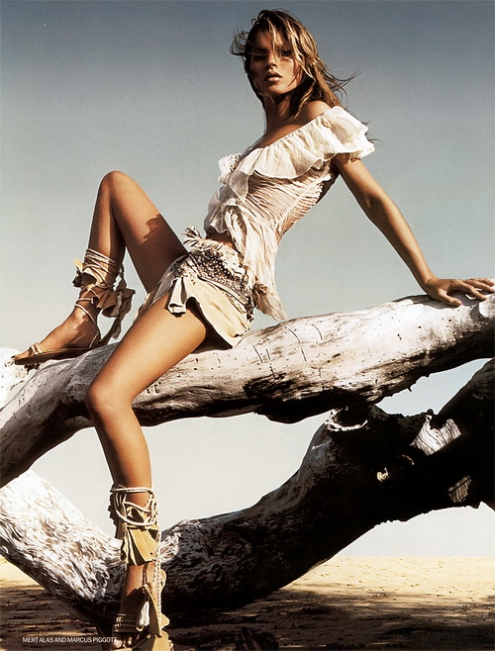 Kate Moss - Pigott_Alas 08.jpg