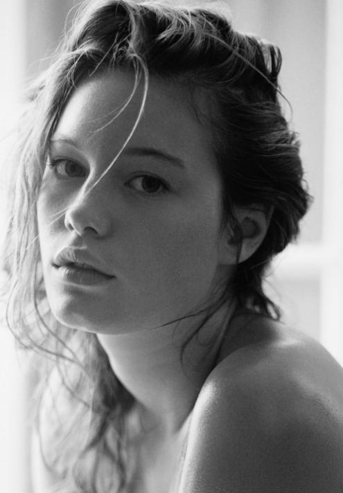 Camille Rowe 01.jpg