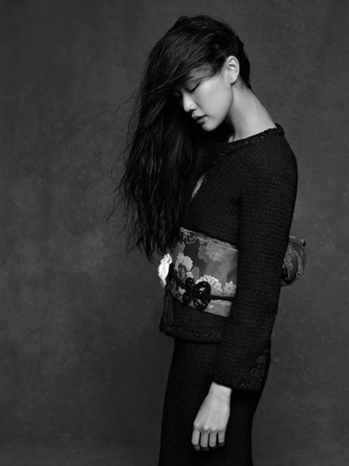 Chanel_Karl_Lagerfeld_ Yu_Aoi.jpg