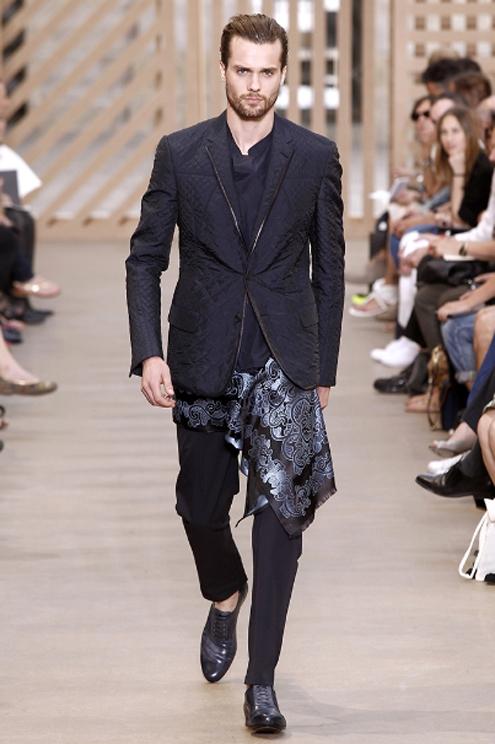 Louis Vuitton SS2011 - 03.jpg
