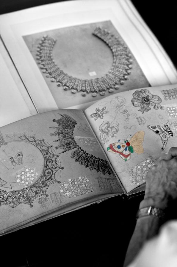 boucheron,26,place vendôme,haute joaillerie,joaillier,vendôme,paris,luxe,luxury,artisan,pierres précieuses,pierres,précieuses,gemmes,jewelry,jewellery,charme,parure,bracelet,collier,cuff,necklace,gold,white gold,diamants,diamonds,présentation,presentation,new collection,histoire,history,frédéric boucheron,hôtel de la lumière,hôtel,lumière,fine jewellery,2013,soleil radiant,paon de lune,cascade de diamants,perles d'éclat,halo delilah,goutte de lumière,les messagers célestes,fleur du jours,#momentb,momentb,#momentsb,momentsb