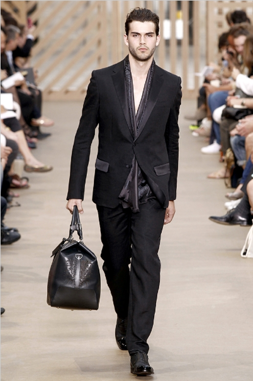 Louis Vuitton SS2011 - 04.jpg