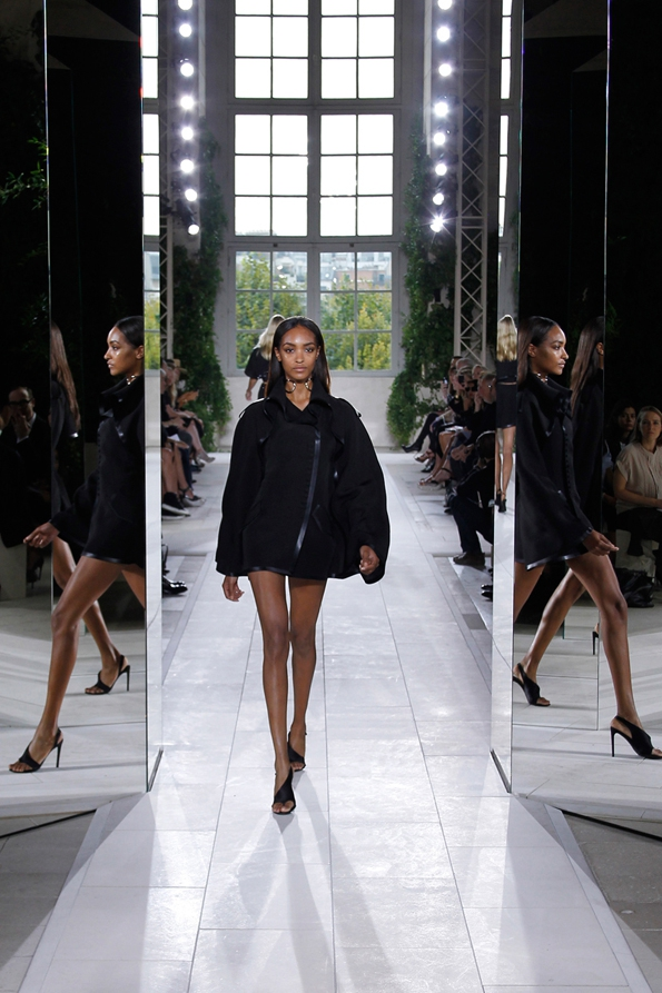balenciaga,alexander wang,nicolas ghesquiere,ppr,lvmh,stratégie,strategy,marketing,fashion,mode,luxe,luxury,création,made in france,haute couture,pap,rtw,prêt à porter,ready to wear,fashion show,défilé,homme,femme,men,women,printemps,été,spring,summer,2014
