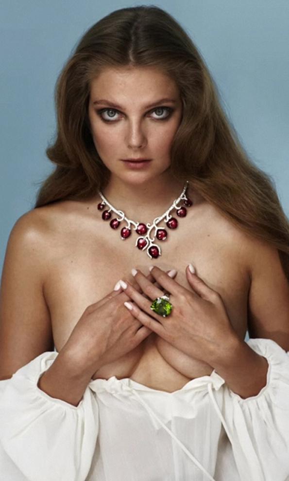 fashion,editorial,joaillerie,jewellery,eniko mihalik,sebastian faena,sexy,naked,girl,modeling,photographe,mode,paris,tendances,trends,glamour,vogue,magazine