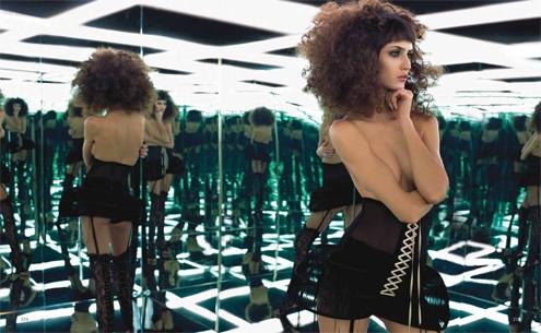second skin,the erotic art of lingerie,livre,book,sexualité,sexuality,érotique,sensualité,sensuality,underwear,sexy,glamour,women,femmes,délicat,delicat,patrice farameh,andres sarda,angélique devil,blush,capricine,damaris,eternal spirits,fred & ginger,french cancan,gonzalez,geria la bruma,hopeless,jean yu,keiko,kiki de montparnasse,la perla,lascivious,le boudoir de marie,maya hansen,nichole de carle,pleasure state,undrest,valisere