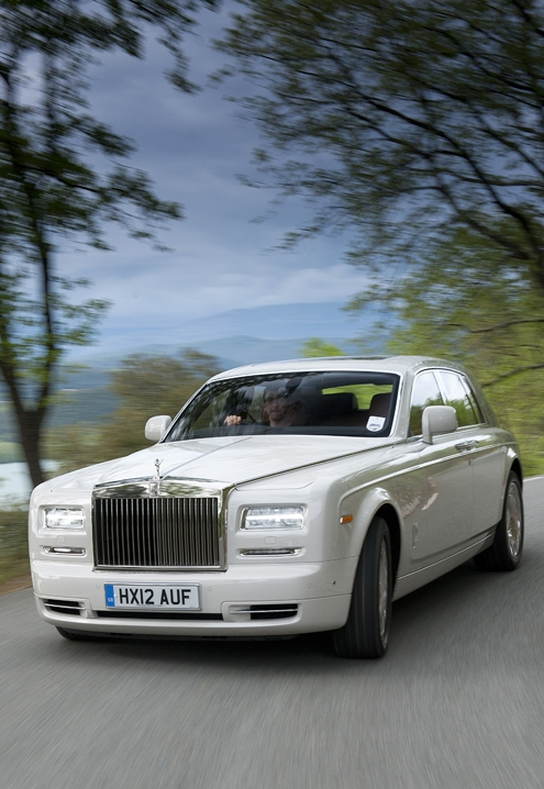 rolls-royce,rolls,royce,phantom,automobile,drophead coupé,coupé,ghost,new phantom,nouvelle phantom,brand-new,nouveauté,exclusive,luxe,luxury,car,luxury car,yacht,leather,wood,gold,flying spirit,lady of ecstasy,silver,precious,emirates,dubai,moyen orient,bespoke,sur mesure,unique,experience