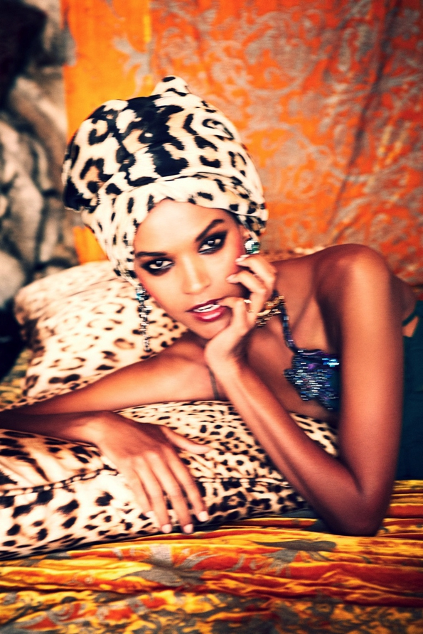 liya kebede,ellen von unwerth,sunday times,magazine,mode,éditorial,édito,editorial,fashion editorial,fashion photographer,photographer,photographe,photographe de mode,fashion,sexy,model,girl,fille,femme,women,femmes,modeling,modèle,luxe,luxury,portrait,glamour,mannequin,lovely,fall,winter,automne,hiver