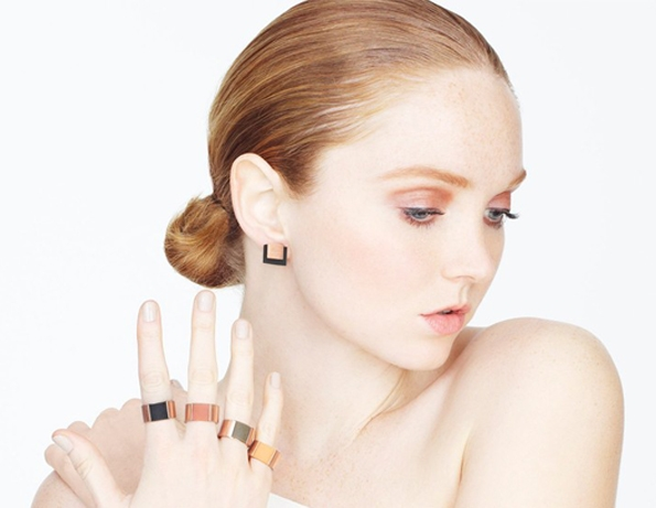 lily cole,top,modèle,model,modeling,wild rubber collection,joaillerie,jewellery,bijoux,projet,fondation,fundation,sky rainforest rescue,tropical,brazil,brésil,caoutchouc,1618,sustainable,sustainability,luxury,luxe,fashion,mode,responsabilité,écologique,morale,paris,éthique,innovation