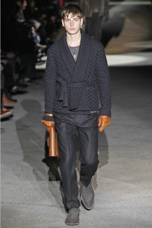 Louis Vuitton FW2011 - 01.jpg