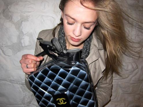 Death spray custom,bidon,essence,personnalisable,luxe,fashion,art,Louis Vuitton,chanel,fendi,culture