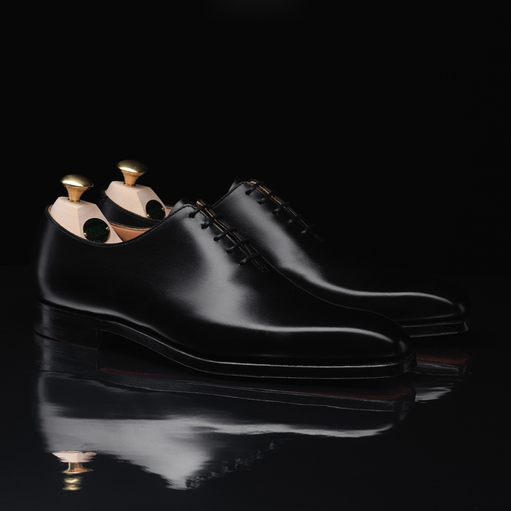 crockett & jones,crockett and jones,james crockett,charles jones,chausseurs,souliers,soulier,shoemaker,northampton,angleterre,grande bretagne,britanique,cinéma,collaboration,james bond,spectre,james bond spectre,placement produit,luxe,mode,style,fashion,trends,tendances,élégance,aston martin,omega,tom ford