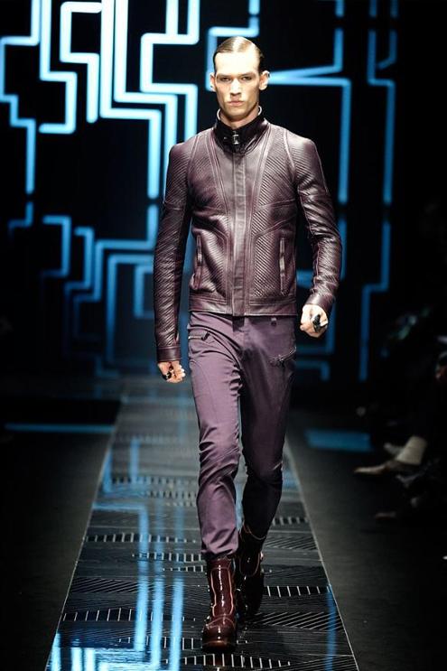 Versace - Andrew Thomas 01.JPG