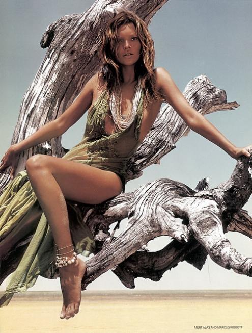 Kate Moss - Pigott_Alas 05.jpg