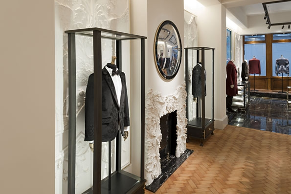 alexander mcqueen,men,fashion mode,homme,luxe,britannique,london,londres,first,opening,store,flagship,october,2012,octobreppr,ouverture,boutique,masculin,mode,art,savile row,sarah burton