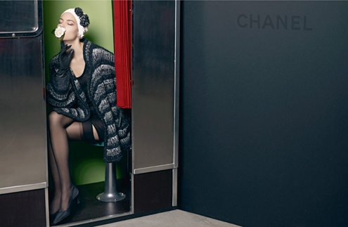 chanel-adcampaign-fallwinter11-12-09.jpg