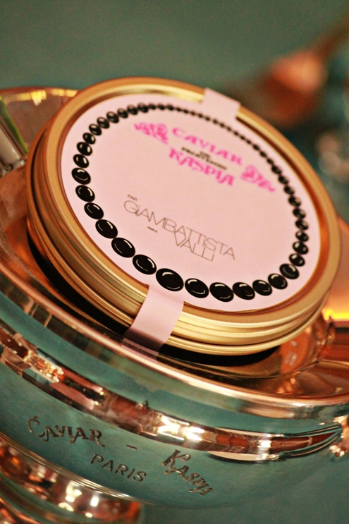 Caviar de Printemps 2011 Giambattista Valli.jpg