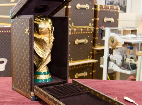 louis-vuitton-fifa-trophy-travel-case-2jpg_65.jpg