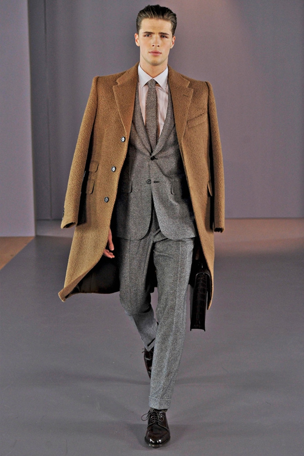gieves & hawkes,gieves,hawkes,royal appointment,royal geographical society,high society,bespoke,savile row,couturiers,maîtres tailleurs,tailor,london,londres,luxe,luxury,tendances,trends,mode,fashion designer,designer,créateur de mode,chic,élégant,dandy,gentlemen,gentleman,accessoires,accessories,accessory,fashion show,défilé,homme,hommes,man,men,menswear,automne,hiver,fall,winter 2014