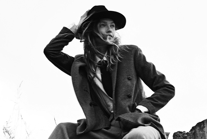 SASHA-PIVOVAROVA-BY-GREGORY-HARRIS-FOR-VOGUE-PARIS-NOVEMBER-2016-6.jpg