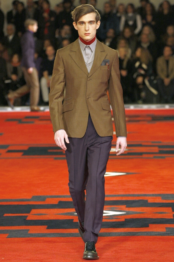 prada, miuccia prada, florence, milan, men, hommes, uomo, fashion, mode, moda, fall, winter, automne, hiver, collection, 2012,2013, créateur, designer, france, riviera, preppy, casual, chic, sportswear, accessoires, luxury, luxe,disco,fantasy,pyschedelique,imprimé,seventies,70's,adrien brody,tim roth,william dafoe,gary oldman,stars,hollywood,fashion show,runway,catwalk