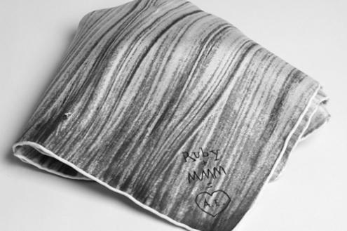 maison-martin-margiela-les-ateliers-ruby-scarf-3.jpg