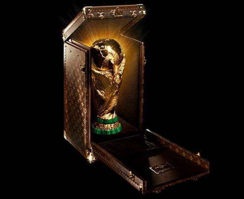 louis-vuitton-fifa-trophy-travel-case-1_VfQNx_65.jpg