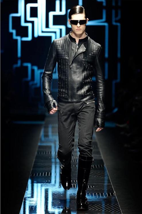Versace - Andrew Thomas 03.JPG