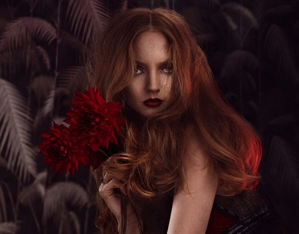lily cole,signe vilstrup,glamour,glamour italia,décembre 2014,december 2014,fashion magazine,magazine,fille,girl,week-end,fashion,editorial,edito,mode,modèle,modeling,top model,fashion photographer,photographe de mode,photographe,photographer,luxe,luxury,élégance,sexy,nude,naked,arts,art,magazine de mode,série de mode,stylisme,tendances,trends,femmes,fall,autumn,winter,hiver,2015