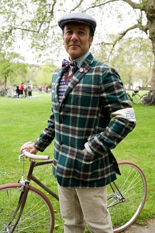 italia veloce,italia,velo,vélo,la course élégante,the elegant race,london tweed run,brooksfield,tweed,fixie,vintage,apparel,bike,culture,mode,fashion,luxury,luxe,londres,tendances,trends,hispter,cool,attitude,italie,italy,handmade,manufacture,bespoke,savile row,tailor,millbank,tamise,westminster