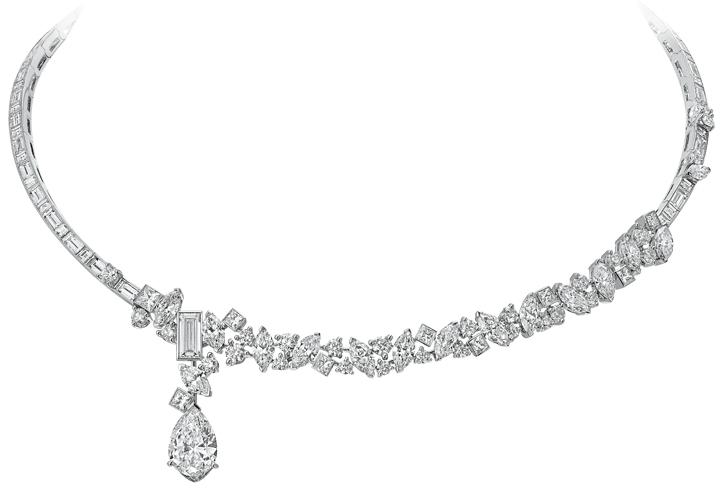 Mirror Mirror - Collier asymétrique en or blanc 18 cts et diamants poire, baguette, princesse et nvette - 520 000€.jpg