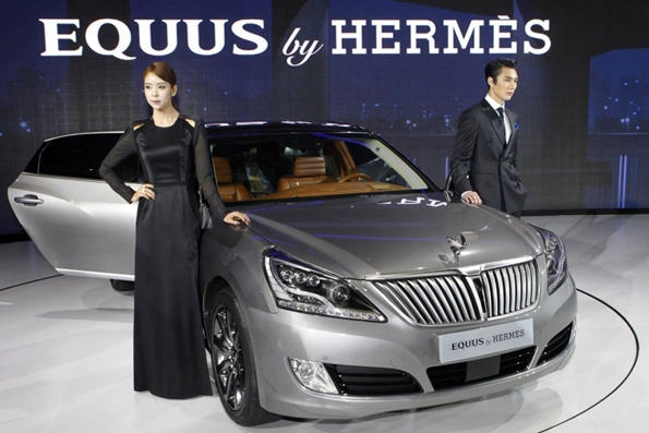 hyundai, equus, luxury, car, luxe, automobile, collaboration, korea, core du sud, association, partenariat, haut de gamme, constructeur,herms,sellier,sac,kelly,birkin,collab,concept car,dream car,limousine,limo,faubourg saint honor,paris,